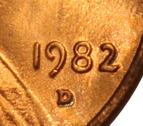 1982 Lincoln Memorial Cent Small Date | Large Date